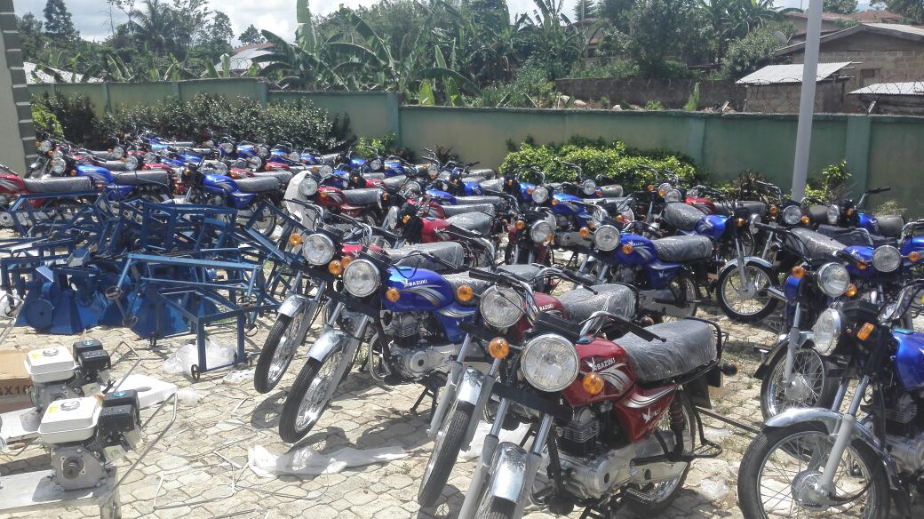 Kolade Akinjo empowers over 500 Ilaje/Ese-Odo constituents with Items worth N30m