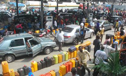 FG removes subsidy, petrol to sell for N145 per litre