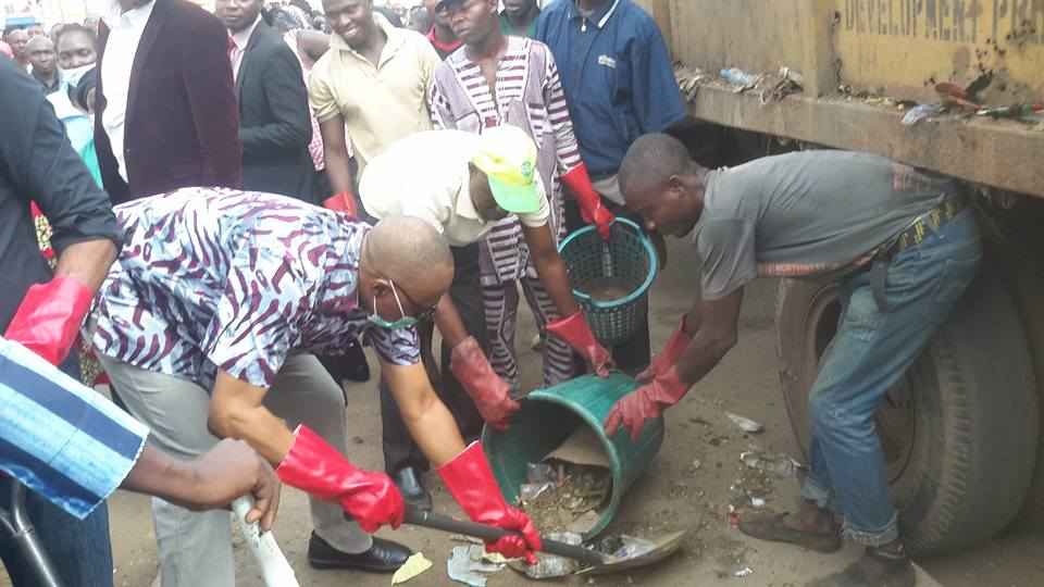 Mimiko Cleans up Akure, Pleads to Striking Workers