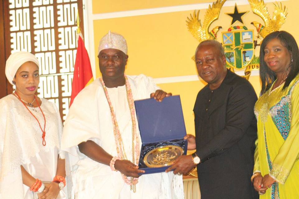 Ooni in Ghana, Sues for African Unity, Described as King of Peace and Unity
