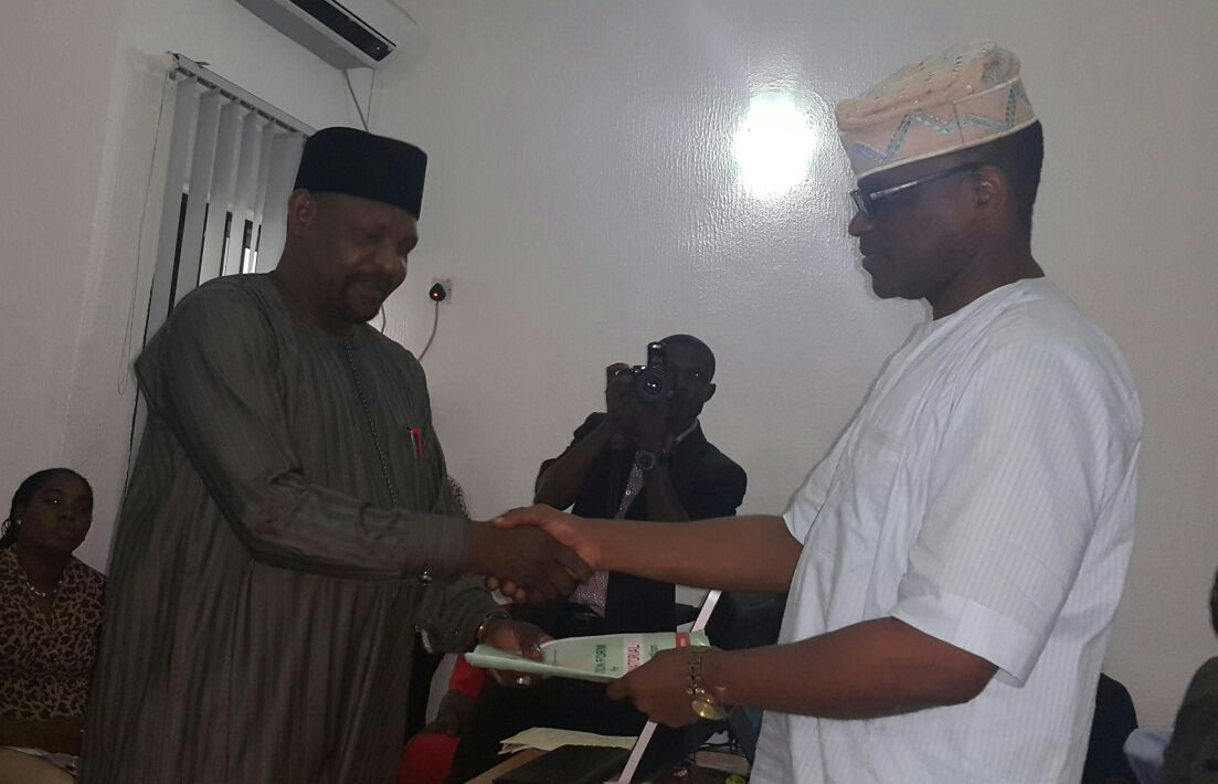 Eyitayo Jegede SAN Submits Completed Expression of Interest and Governorship Nomination Forms
