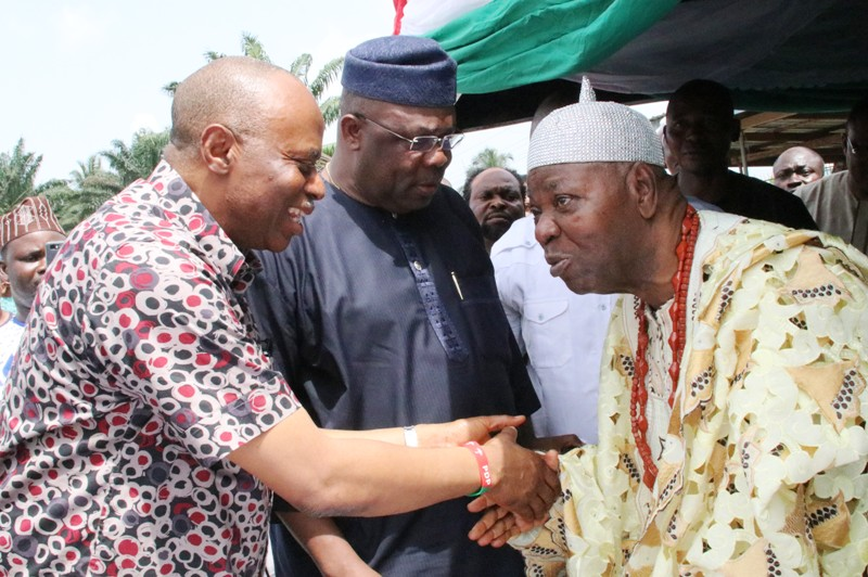 From left; Ondo State Governor, Dr Olusegun Mimiko, Chairman of the PDP in Southwest, Olorogun Eddy Olafeso and the Olu of Igodan-Lisa, Oba Paul Akinsola.