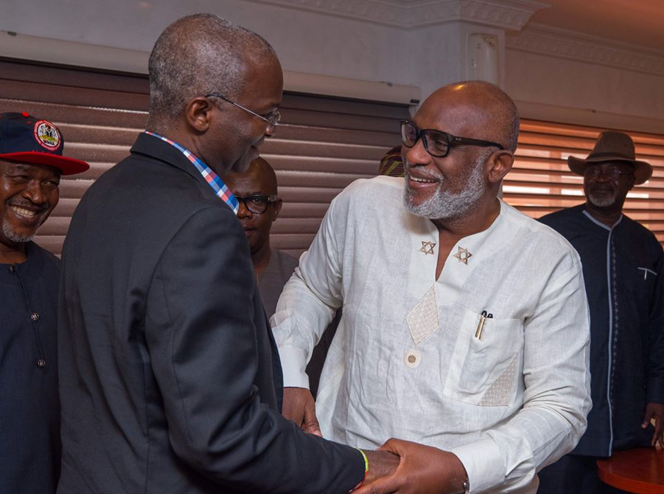 Fashola Pays Working Visit to Ondo Governor, Rotimi Akeredolu