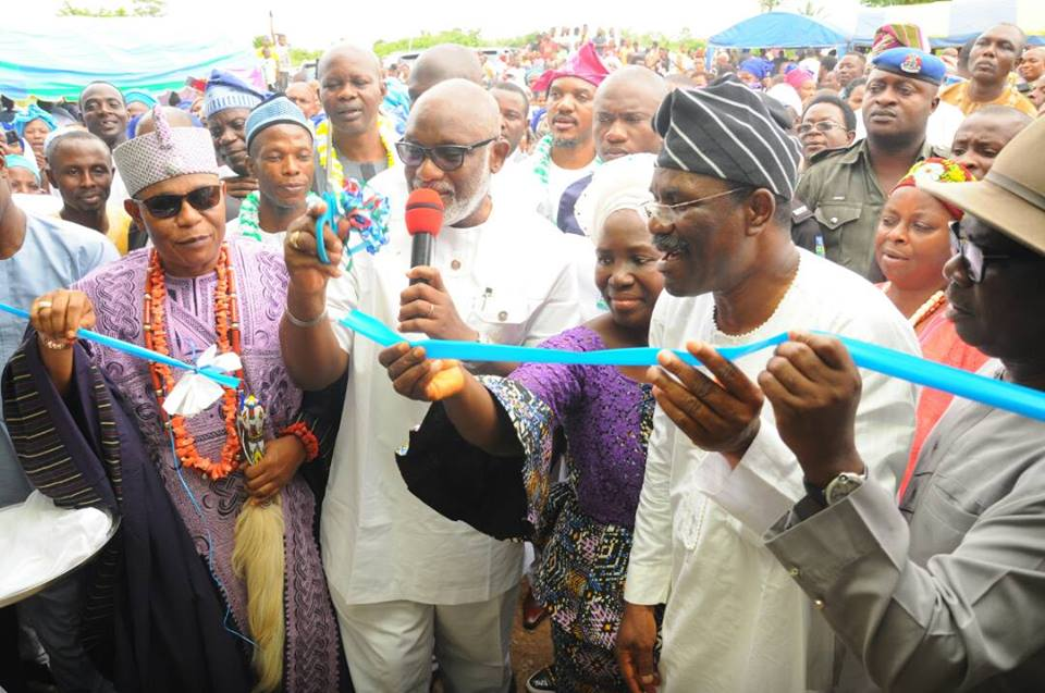 Photos: Akeredolu Commissions Ultra Modern Classrooms Built By Afe Olowokere at Onimalu Ijoka, Akure