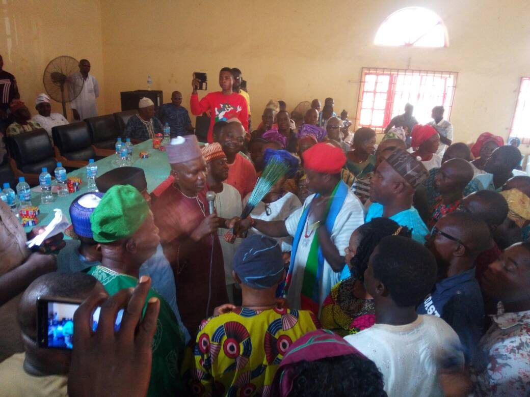 Hundreds of PDP members decamp to APC in Irele LG