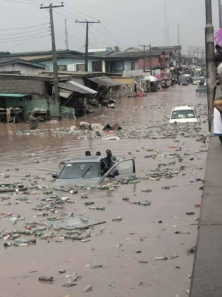 FLOODING: LAGOS GIVES QUIT NOTICE TO OWNERS OF PROPERTIES BLOCKING DRAINAGE CHANNELS …To Reestablish Drainage Right Of Way