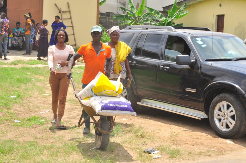 LAKE RICE: RESIDENTS LAUD AMBODE, AS GOVT BEGINS SALE AT DESIGNATED CENTRES