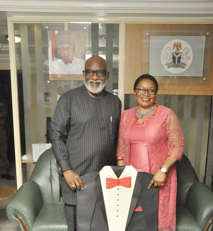 Gov. Akeredolu wants academia to research on national issues