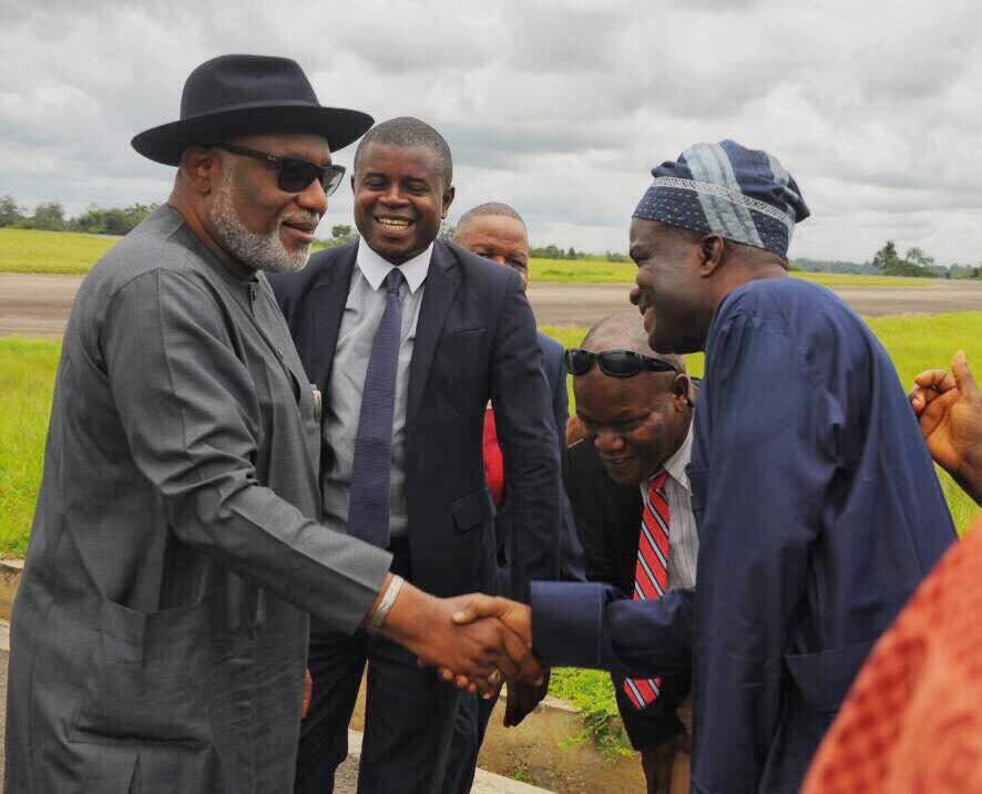 After A Successful UNGA Meeting in New York, Arakunrin Akeredolu returns, meets cabinet members