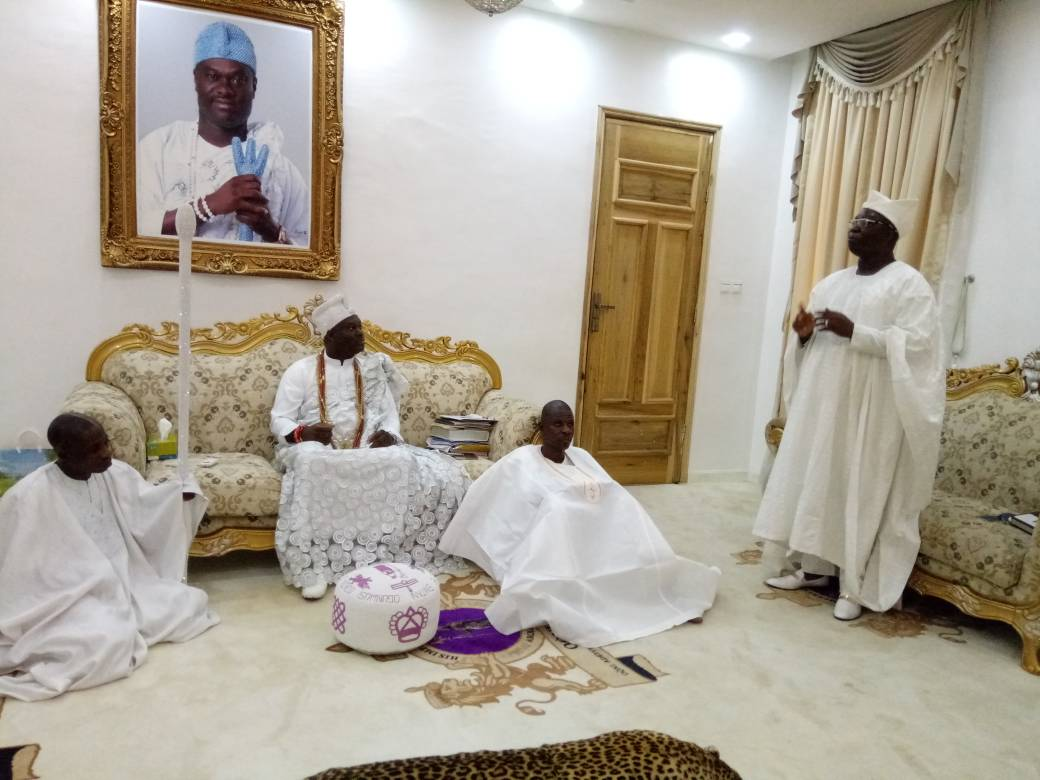 AARE ONAKAKANFO: GANI ADAMS VISITS OONI OF IFE FOR ANCESTRAL BLESSING, SEEKS FATHERLY SUPPORT