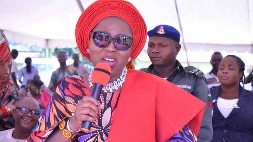 Raise the bar of excellence, Mrs Akeredolu urges students