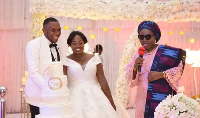 Photos: Mrs Akeredolu attends Olawunmi and Franklyn wedding