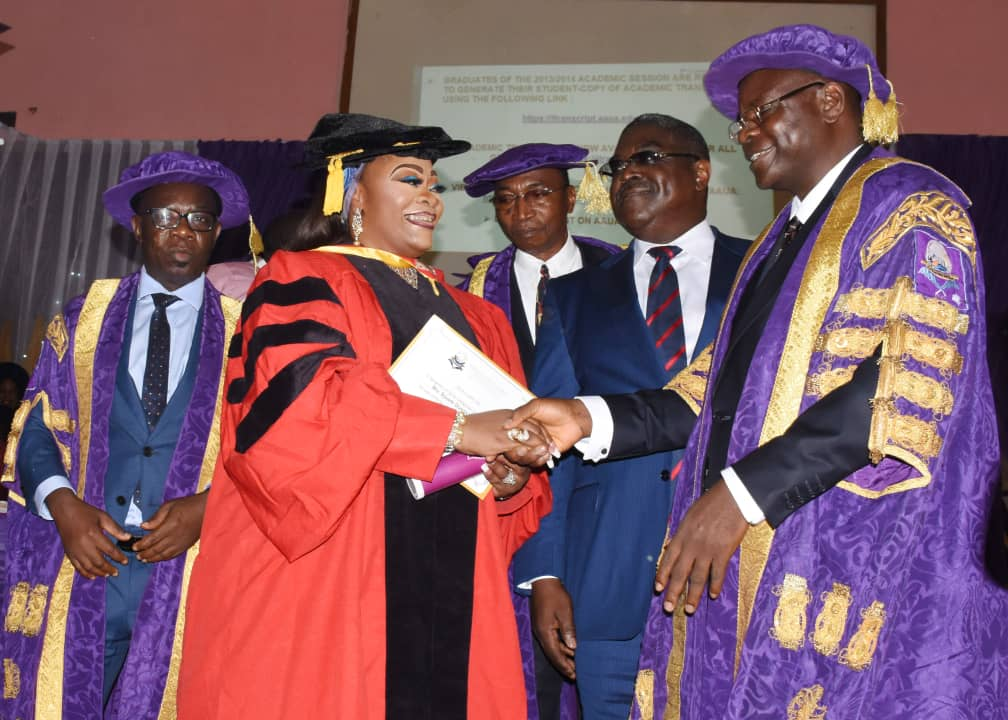 Maintain Varsity's Tradition of Excellence, Be Good Ambassadors – VC Charges Graduands