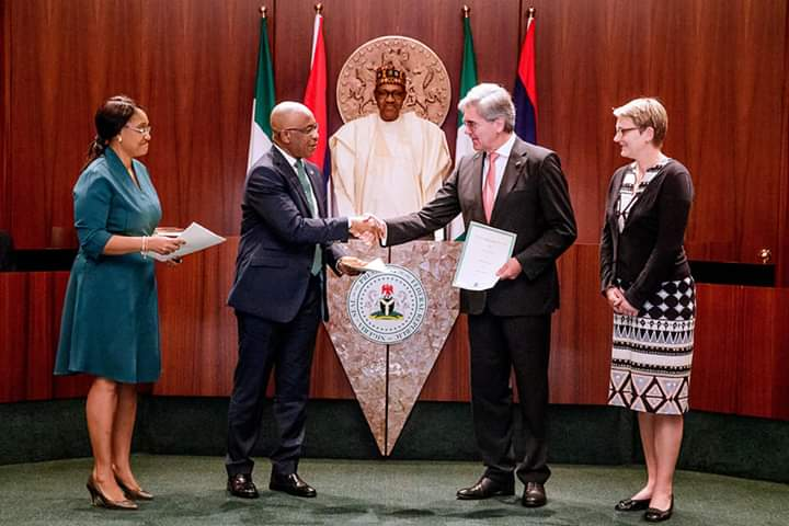 Buhari sets target for electricity sector, says 11,000 MGW achievable by 2023