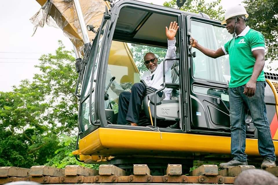 Gov. Akeredolu Acquires New Amphibious Excavator To Tackle Flooding In Ondo