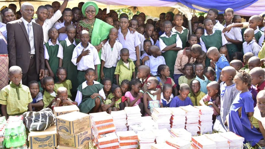 Back to School Initiative: Mrs Akeredolu distributes learning materials, safe delivery kits in Akoko