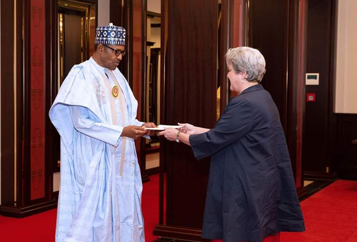 I SIT HERE WITH A CLEAR CONSCIENCE, HONOURING MY OATH OF OFFICE, PRESIDENT BUHARI TELLS NEW U S AMBASSADOR