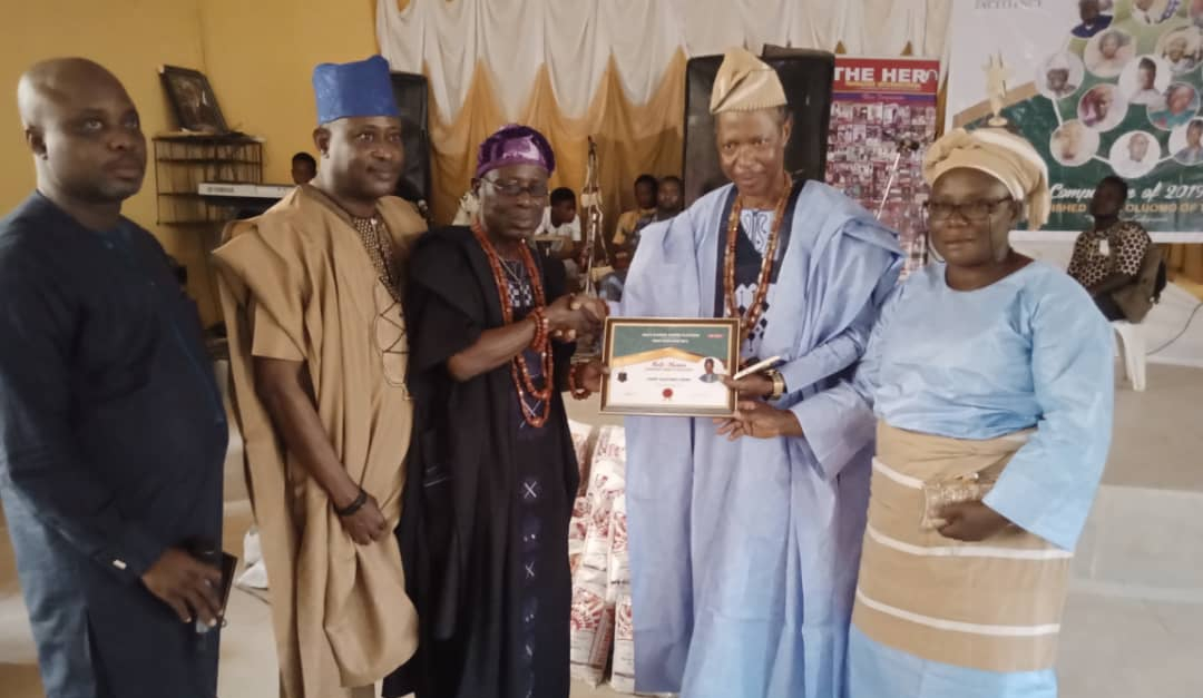HERO MAGAZINE'S PUBLISHER GIVES BACK TO HIS PEOPLE  …Honours deserving Ikale Indigens