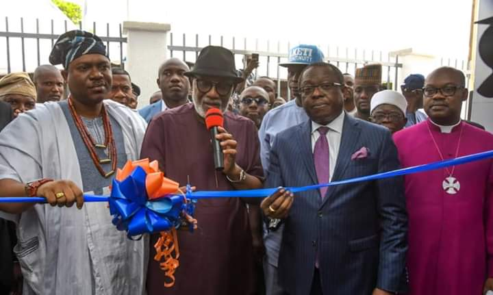 GOV AKEREDOLU COMMISSIONS NEW ACCESS BANK BRANCH IN OWO