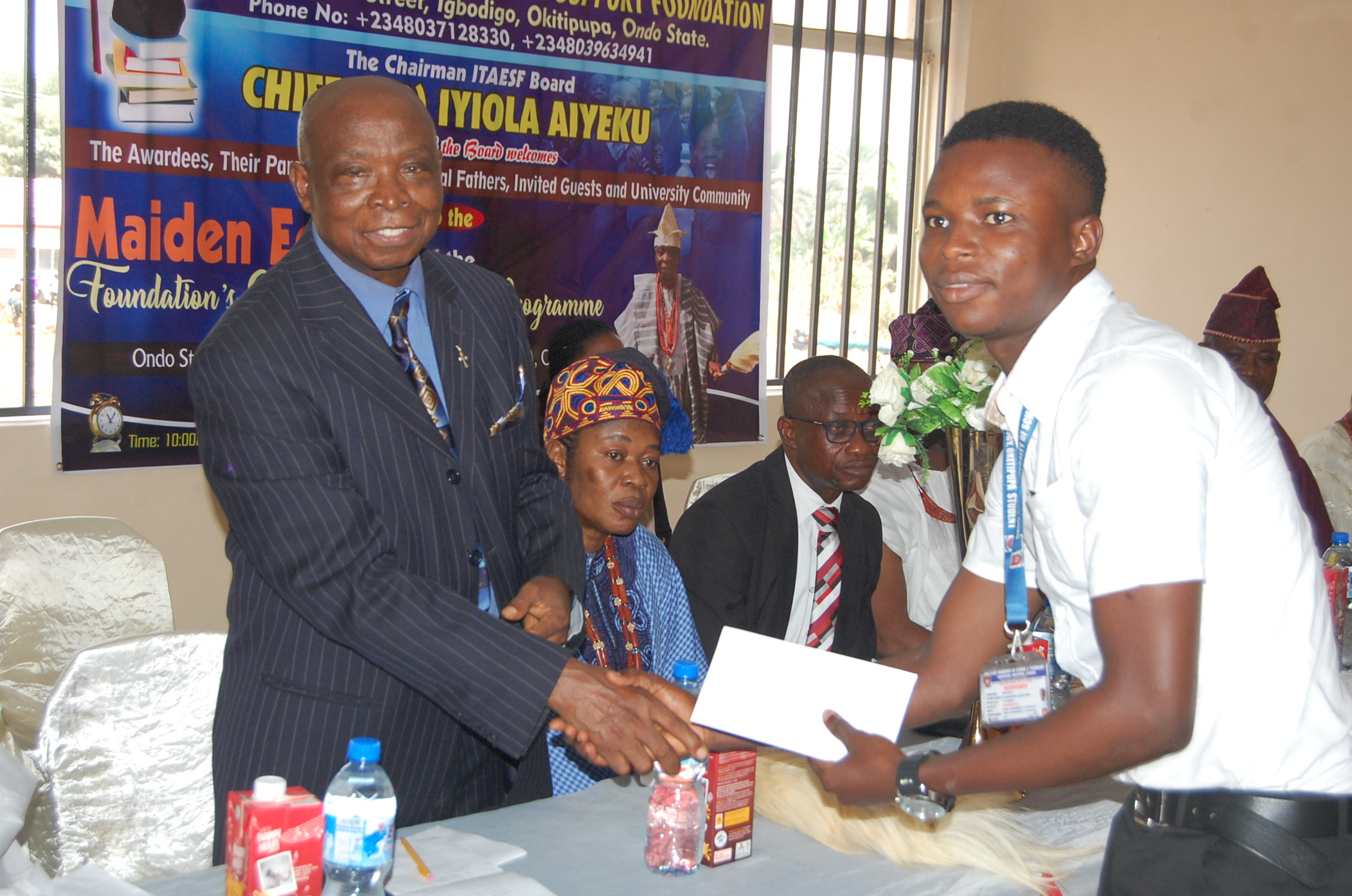 Iyiola-Tolani Aiyeku Educational Support Foundation Doles Out Cash To Ikale Students In OSUSTECH