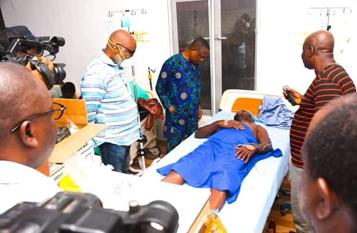 Ilu-Abo Explosion: Akeredolu visits victims, orders free medical services