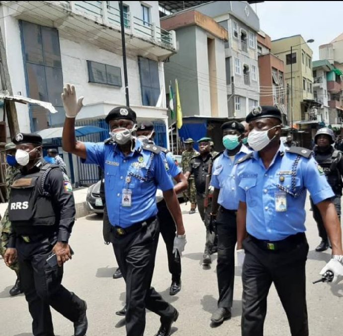 CP Odumosu Commends Police Officers for Assisting Woman in Labour