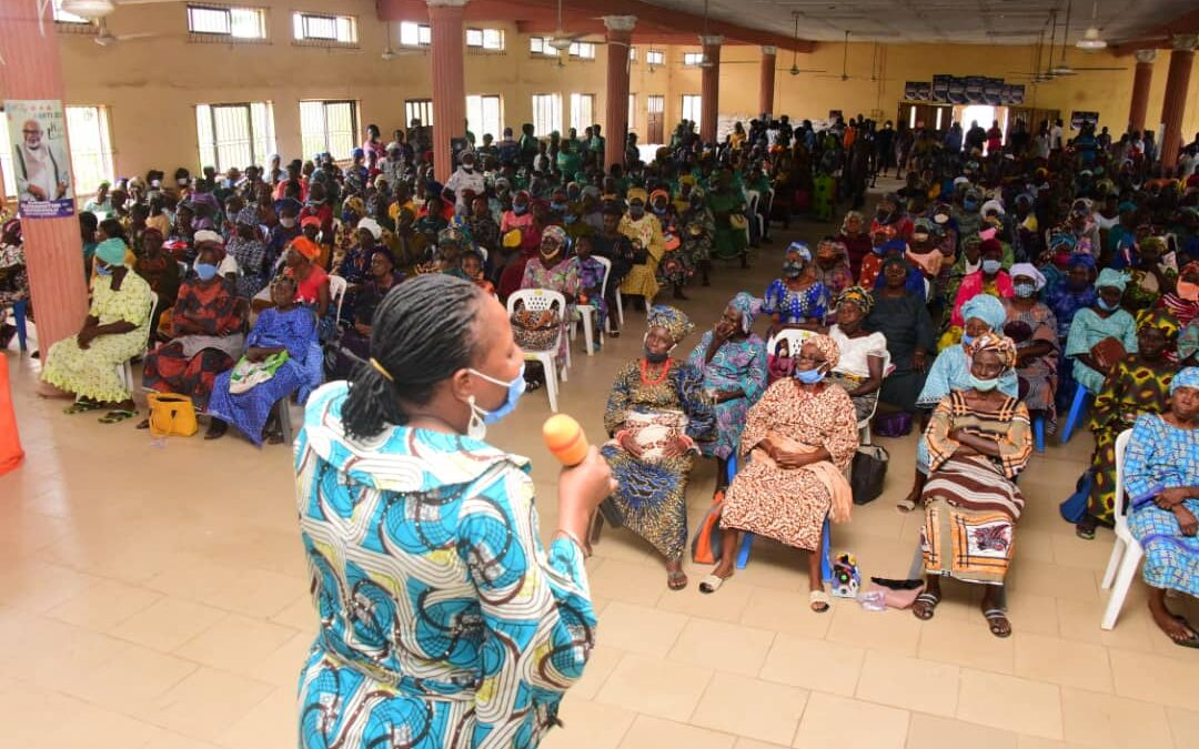 COVID-19 Palliatives: Mrs Akeredolu puts smile on faces of widows, BEMORE girls in Ese-Odo