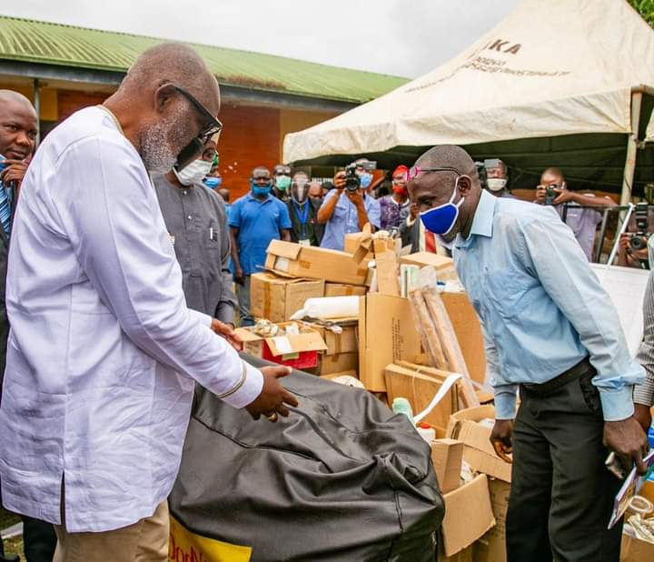 Akeredolu distributes N90M science LAB equipment to Ondo Secondary Schools