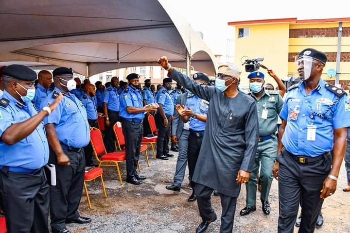 SANWO-OLU AWARDS SCHOLARSHIP TO CHILDREN OF POLICEMEN WHO DIED IN LAGOS VIOLENCE