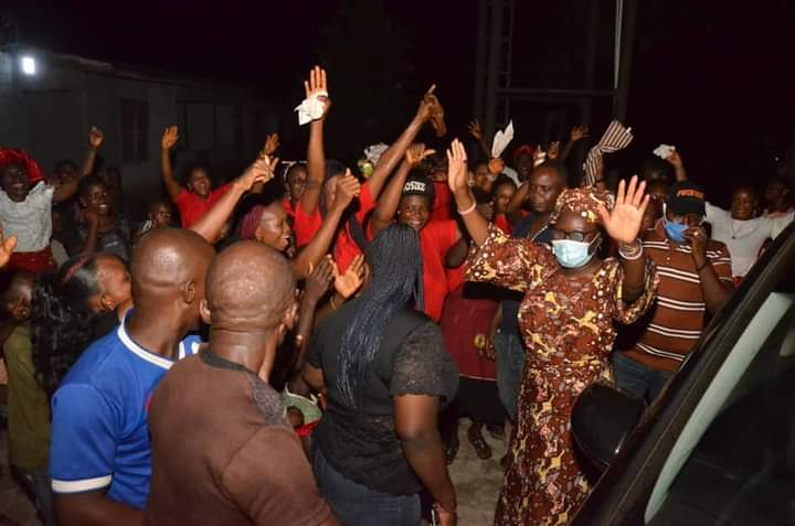 PHOTOS: Ondo First Lady arrives Emeabiam amidst rousing welcome