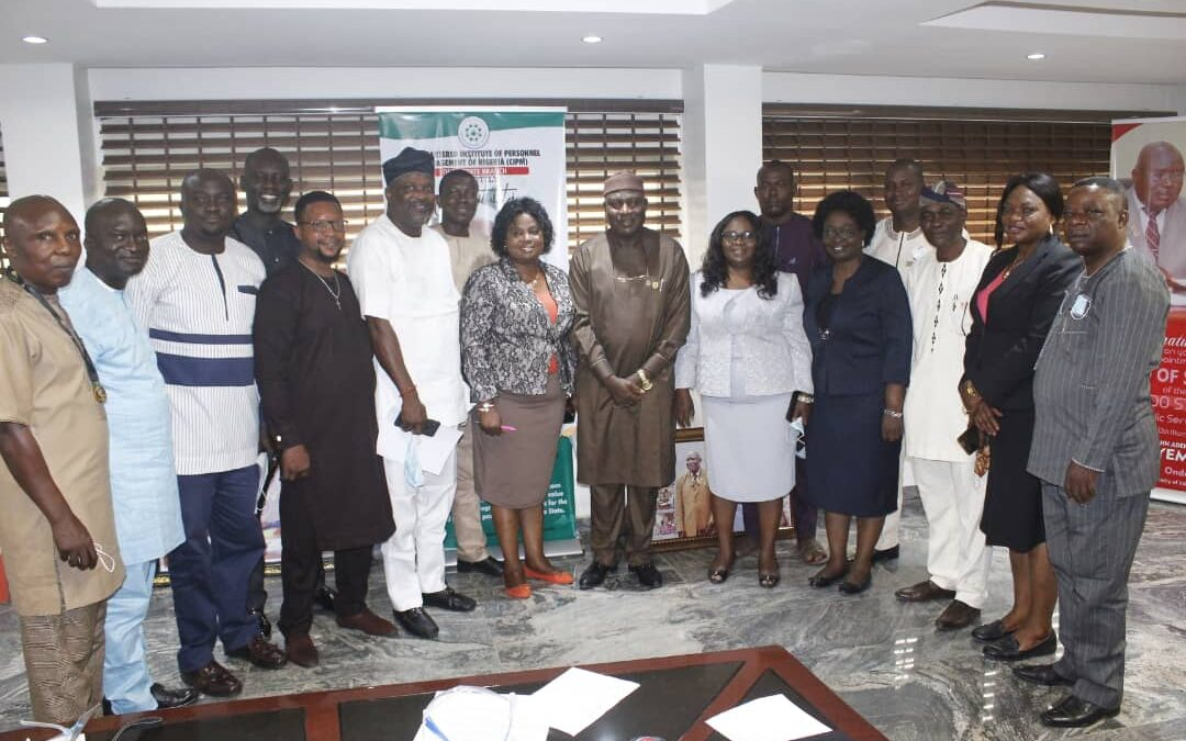 I need your support, Ondo HoS tells public servants, as Ile-Oluji indigenes in service pay him visit