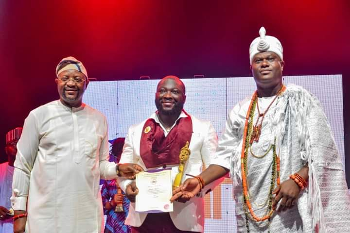 Ooni honours late Tolulope Arotile, 99 other youths